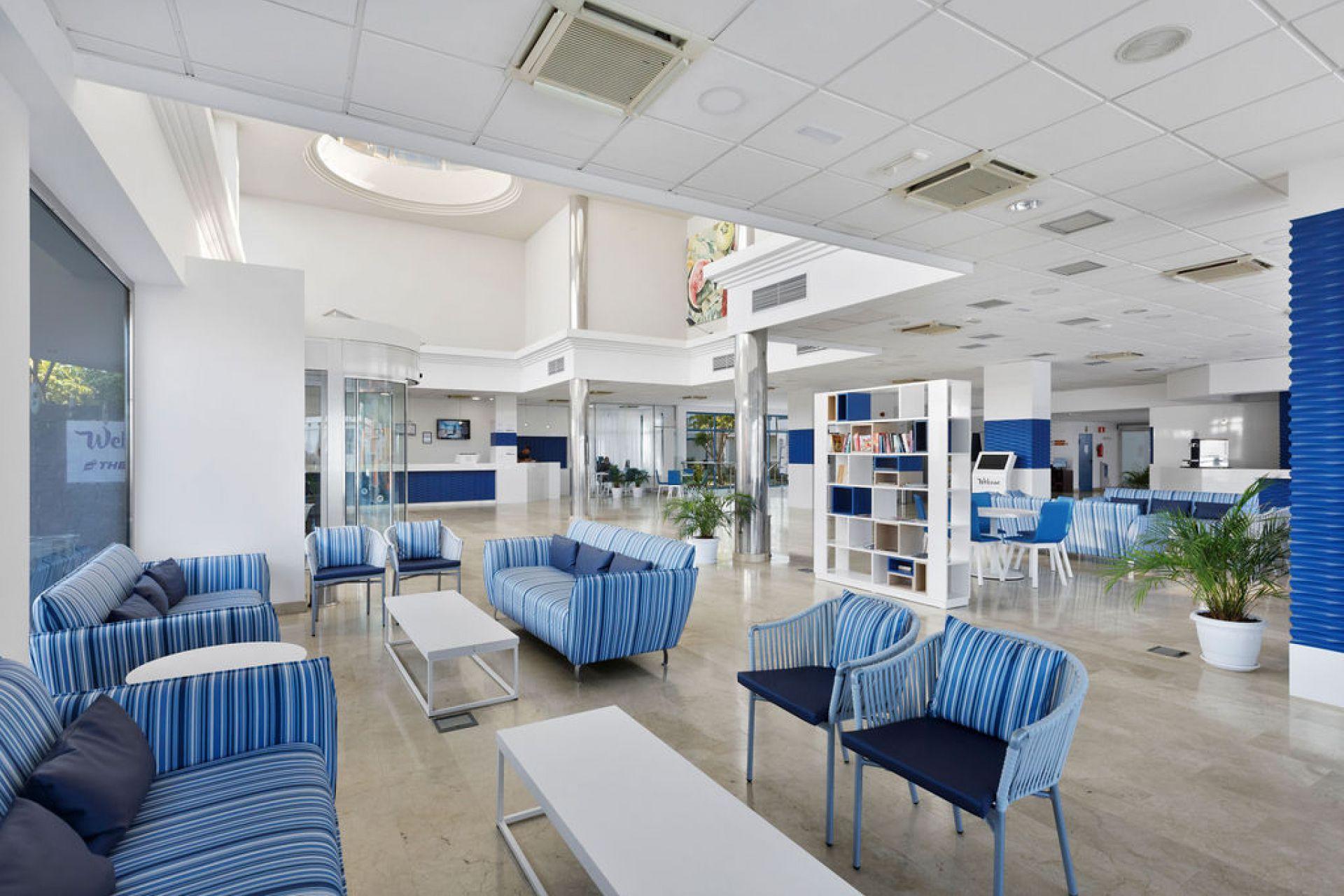 thb-tropical-island-hotel 3928