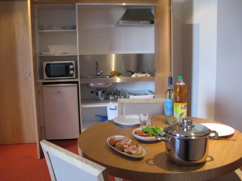 paredes-hotel-apartamento 4149