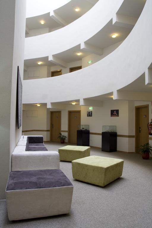 paredes-hotel-apartamento 4151