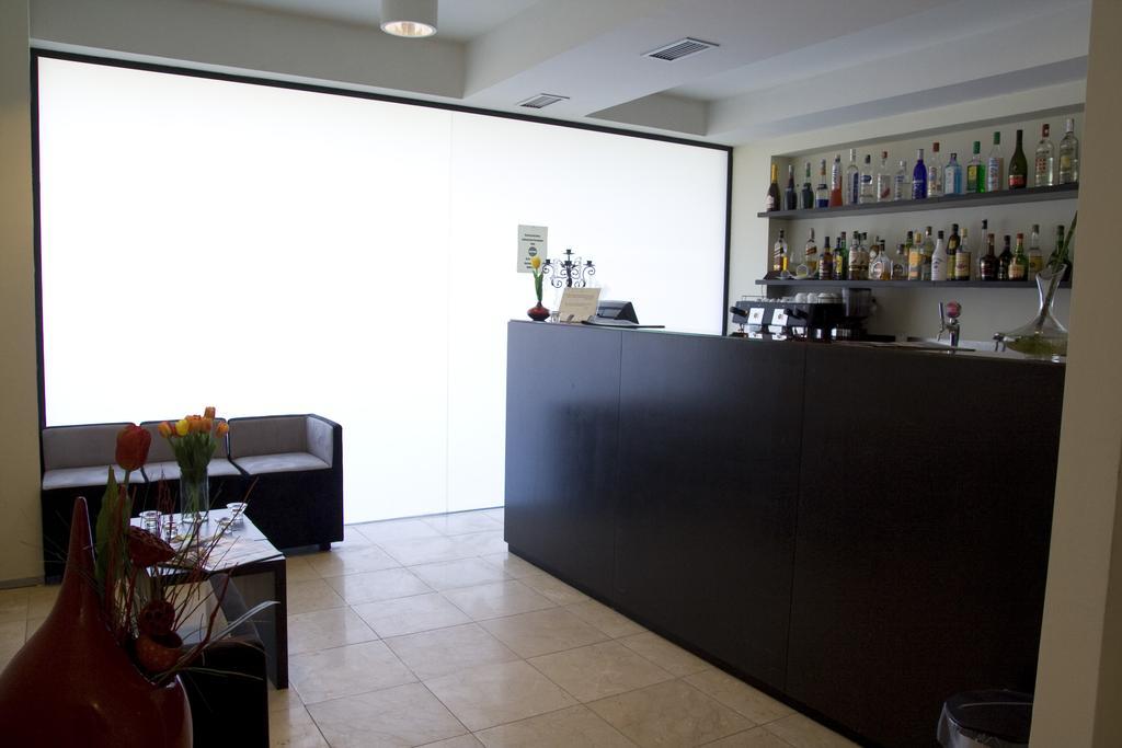paredes-hotel-apartamento 4163